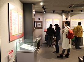 くすりの道修町資料館の見学風景